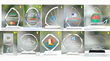 ガラス製品・トロフィーなどのベトナムからの輸入、買付け、仕入れはベトナムジャパンまで