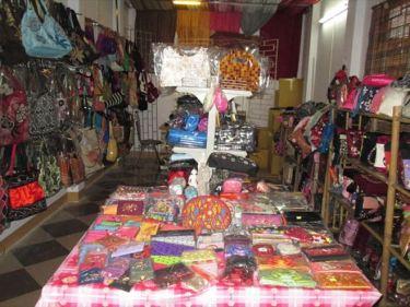 刺繍バッグ、ベトナム工芸品などのベトナムからの輸入、買付け、仕入れはベトナムジャパンまで