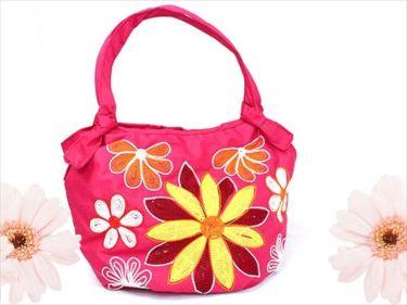 ベトナム刺繍バッグなどのベトナムからの輸入、買付け、仕入れはベトナム仕入れ.com まで
