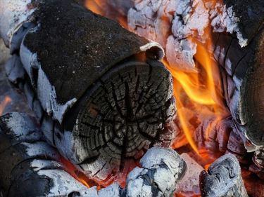 薪・炭の製造、販売などのベトナムからの輸入、買付け、仕入れはベトナム仕入れ.com まで