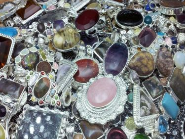 石彫刻・宝飾品・置物などのベトナムからの輸入、買付け、仕入れはベトナム仕入れ.com まで