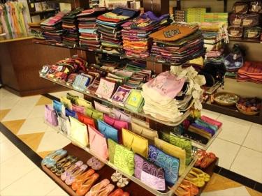 サンダル、工芸品、刺繍製品、お土産物などのベトナムからの輸入、買付け、仕入れはベトナム仕入れ.com まで