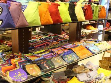 スカーフ、テーブルカバー、コースター、刺繍用品などのベトナムからの輸入、買付け、仕入れはベトナム仕入れ.com まで