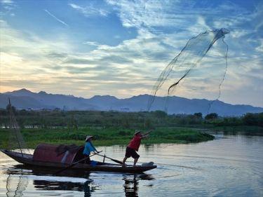ネット(漁業用・農業用・工事用)などのベトナムからの輸入、買付け、仕入れはベトナム仕入れ.com まで