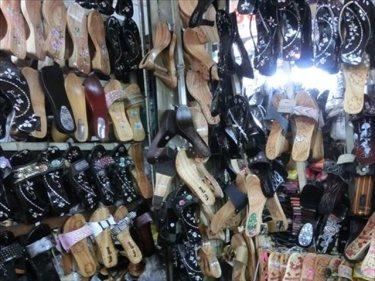 螺鈿(らでん)サンダル、伝統工芸品などのベトナムからの輸入、買付け、仕入れはベトナム仕入れ.com まで